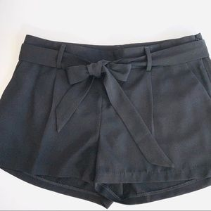 Express high waisted front tie shorts Sz 4 EUC